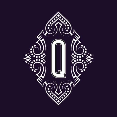 Elegant monogram design with letter Q. Business emblem, glamour badge, vintage initial label template.