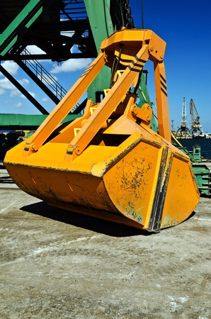 grapple: Close-up of inactive crane bucket