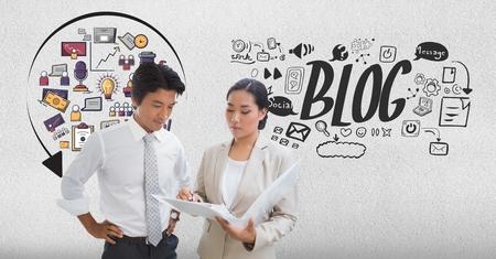 Digitale samenstelling van digitaal geproduceerd beeld van bedrijfsmensen die met diverse pictogrammen en tekst op achtergrond bespreken
