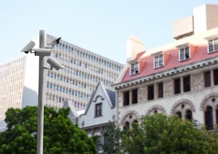 Digitale samenstelling van kabeltelevisie-stok voor vage gebouwen in de loop van de dag Stockfoto