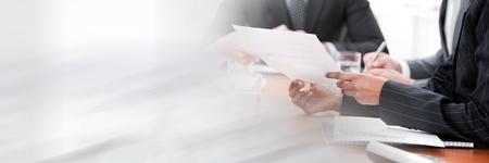 전환 효과와 회의 데 사업 사람들의 디지털 합성
