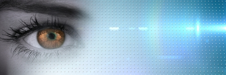 Composición digital de Close up de los ojos de escala de grises con el iris marrón y la transición de tecnología azul inteligente Foto de archivo - 82636717