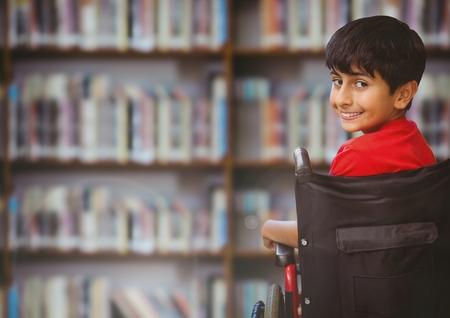 学校の図書館で車椅子の障害者少年のデジタル合成
