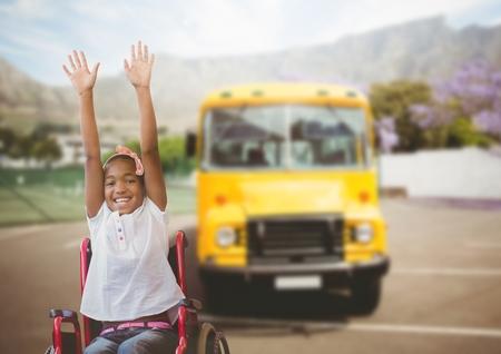 장애인 소녀 휠체어 스쿨 버스 앞에서의 디지털 복합