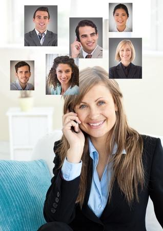 Digitale composiet van vrouwelijke telefoon met profielportretten van mensencontacten