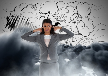 フロントの雲のフラストレートした女性のデジタル合成
