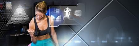 Compuesta digital de Athletic fit mujer en gimnasio con interfaz de salud Foto de archivo