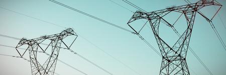 Die abendliche Strommast-Silhouette