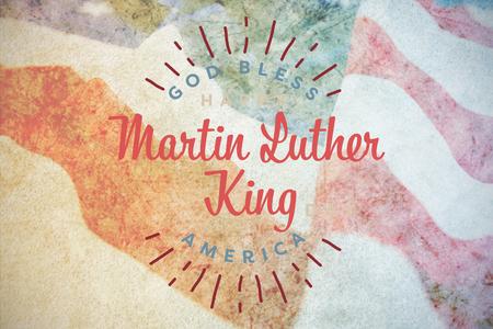 Happy Martin Luther King Day, Gott segne Amerika gegen die Nahaufnahme der zerknitterten amerikanischen Flagge Standard-Bild