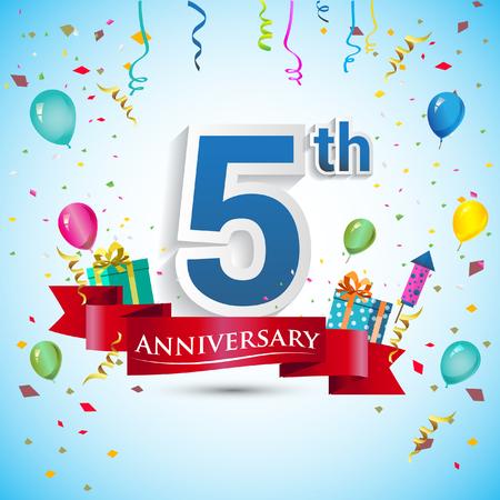 5e jaar verjaardag viering ontwerp, met geschenkdoos en ballonnen, blauw lint, kleurrijke vector sjabloon elementen voor uw vijf verjaardag vieren feestje.