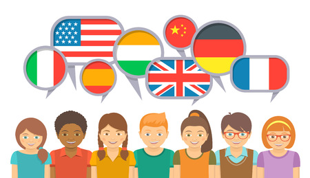 Międzynarodowa komunikacja dla dzieci w różnych językach. Szczęśliwe dzieci uśmiechnięte w szkole językowej z dymkami i flagami różnych krajów. Płaski ilustracji na białym tle Ilustracje wektorowe