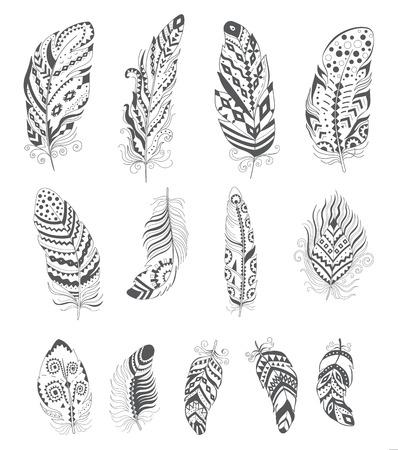 pluma: Conjunto de Boho del estilo de la pluma ornamental. Hippie elementos de diseño. Vector de la decoración étnica por un tatuaje, camiseta, Tela. Colección Símbolo tribal de moda. Vectores