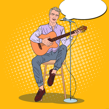 Guitarrista cantando canción en micrófono. Pop Art ilustración vectorial Foto de archivo - 77096640