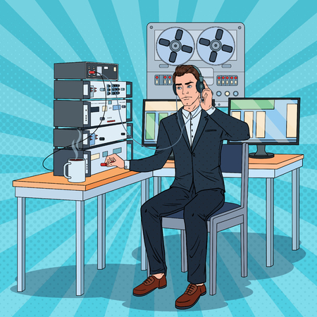 Pop Art Man Wiretapping Using Headphones and Reel Recorder. Male Detective Working. Vector illustration Stock Illustratie