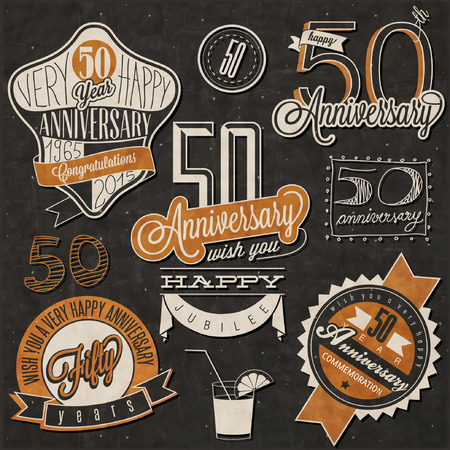 anniversario matrimonio: Vintage style 50 collezione anniversario. Disegno Fifty anniversario in stile retrò. Etichette d'epoca per anniversario di saluto. A mano in stile lettering tipografica e simboli calligrafici di 50 anni. Vettoriali