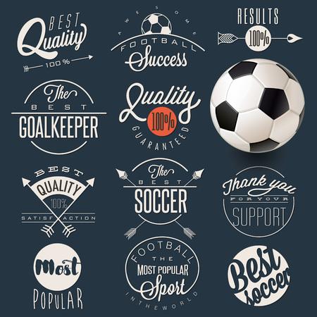 Retro Vintage-Stil Fußbalemblem Sammlung. Set Kalli Titel und Symbole für den Fußball. Schriftzug Fußball Slogans. Eine realistische dargestellt Fußball. Standard-Bild - 61048387