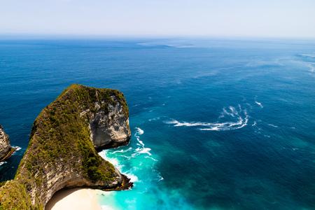 Beautiful aerial view over Kelingking beach or Manta bay on Nusa Penida island,  Bali, Indonesia. Фото со стока
