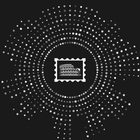 Timbre postal blanc et icône Coliseum isolé sur fond gris. Signe du Colisée. Symbole de la Rome antique, combats de gladiateurs. Points aléatoires de cercle abstrait. Illustration vectorielle