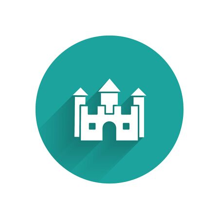 White Castle icon isolated with long shadow. Green circle button. Vector Illustration Ilustração