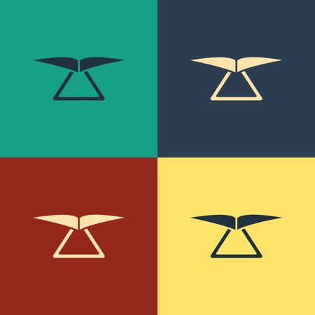 Color Hang glider icon isolated on color background. Extreme sport. Vintage style drawing. Vector Illustration