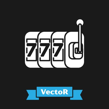 White Slot machine with lucky sevens jackpot icon isolated on black background. Vector Illustration Vettoriali