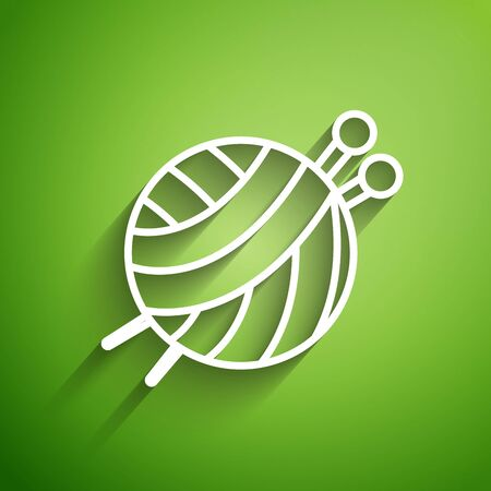 White line Yarn ball with knitting needles icon isolated on green background. Label for hand made, knitting or tailor shop. Vector Illustration Иллюстрация