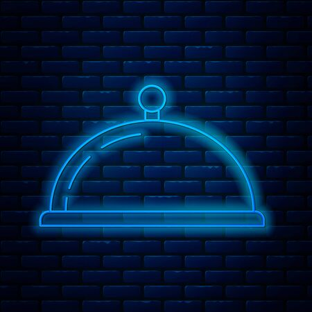 Glowing neon line Covered with a tray of food icon isolated on brick wall background. Tray and lid sign. Restaurant cloche with lid. kitchenware symbol. Vector Illustration Ilustração