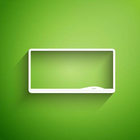 White line Chalkboard icon isolated on green background. School Blackboard sign. Vector Illustration Foto de archivo - 134830864