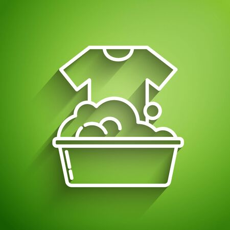 White line Plastic basin with soap suds icon isolated on green background. Bowl with water. Washing clothes, cleaning equipment. Vector Illustration Ilustracja