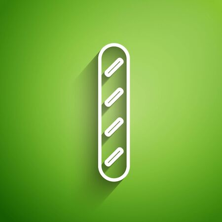 White line French baguette bread icon isolated on green background. Vector Illustration Stock Illustratie