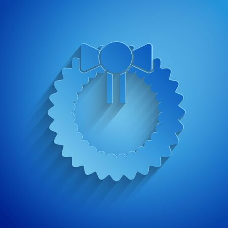 Paper cut Christmas wreath icon isolated on blue background. Merry Christmas and Happy New Year. Paper art style. Vector Illustration Standard-Bild - 134851800