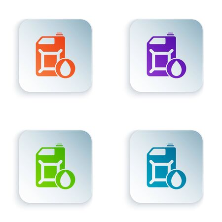Color Plastic canister for motor machine oil icon isolated on white background. Oil gallon. Oil change service and repair. Set icons in square buttons. Vector Illustration Foto de archivo - 134875112