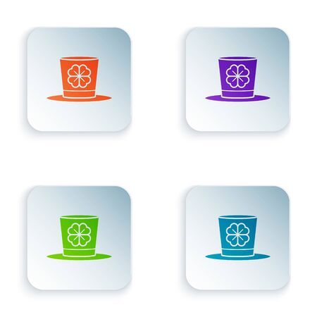 Color Leprechaun hat and four leaf clover icon isolated on white background. Happy Saint Patricks day. Set icons in colorful square buttons. Vector Illustration Çizim