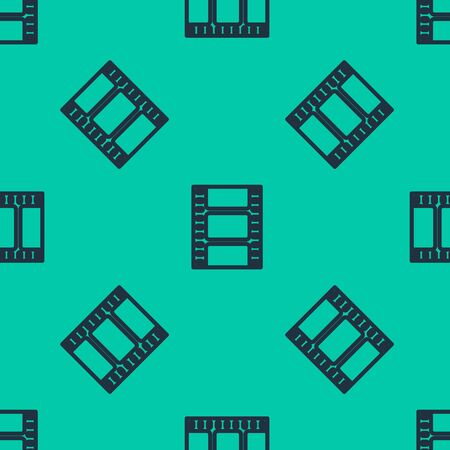 Blue line Play Video icon isolated seamless pattern on green background. Film strip sign. Vector Illustration Çizim
