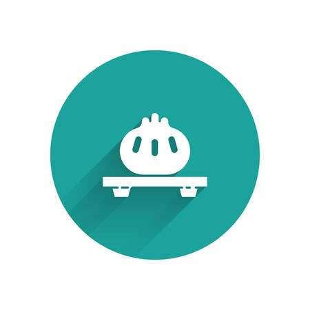 White Dumpling on cutting board icon isolated with long shadow. Traditional chinese dish. Green circle button. Vector Illustration Illustration
