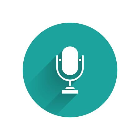 White Microphone icon isolated with long shadow. On air radio mic microphone. Speaker sign. Green circle button. Vector Illustration Archivio Fotografico - 137370474