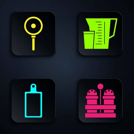 Set Salt and pepper , Frying pan , Cutting board and Measuring cup. Black square button. Vector Ilustração