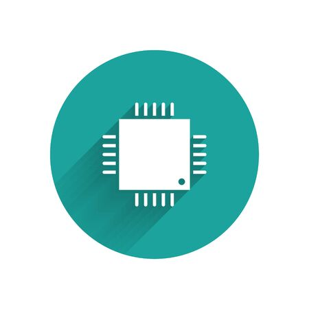 White Computer processor with microcircuits CPU icon isolated with long shadow. Chip or cpu with circuit board sign. Micro processor. Green circle button. Vector Illustration Stok Fotoğraf - 147574998