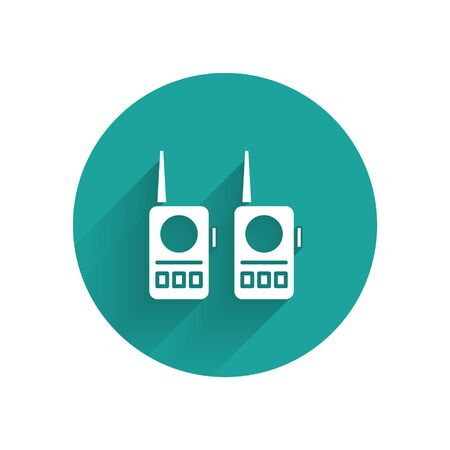 White Walkie talkie icon isolated with long shadow. Portable radio transmitter icon. Radio transceiver sign. Green circle button. Vector Çizim