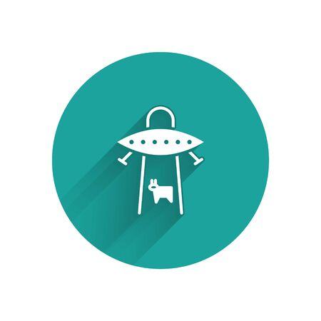 White UFO abducts cow icon isolated with long shadow. Flying saucer. Alien space ship. Futuristic unknown flying object. Green circle button. Vector Vectores