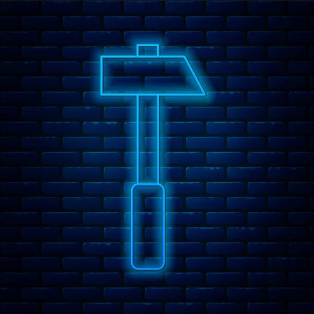 Glowing neon line Hammer icon isolated on brick wall background. Tool for repair. Vector Illustration. Stock Illustratie