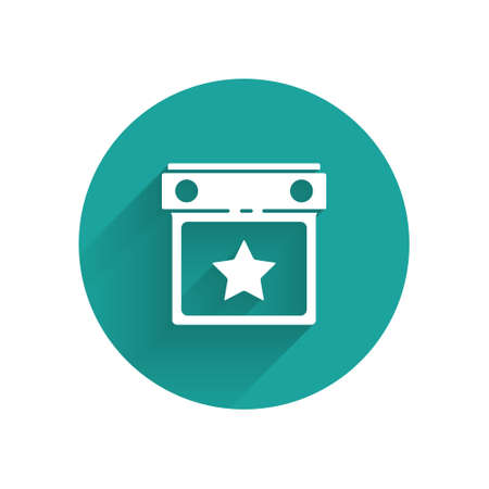 White Calendar party icon isolated with long shadow. Event reminder symbol. Green circle button. Vector. Stock Illustratie