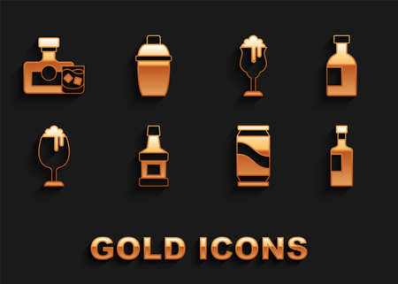 Set Whiskey bottle, Glass of vodka, Wine, Beer can, beer, and glass and Cocktail shaker icon. Vector Ilustracja