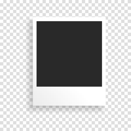 Cadre photo sur un fond transparent avec une texture de papier réaliste et ombre. Peut être utilisé pour concevoir des albums photos, promo, la publicité, etc.