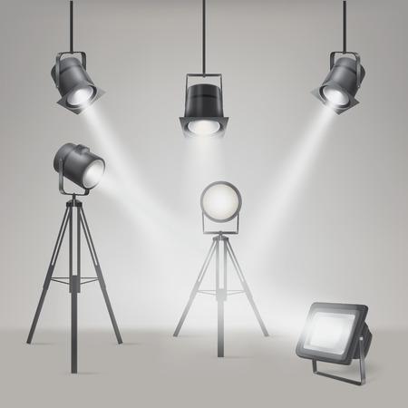 Reeks vector toneelschijnwerpers op een grijze achtergrond Stock Illustratie