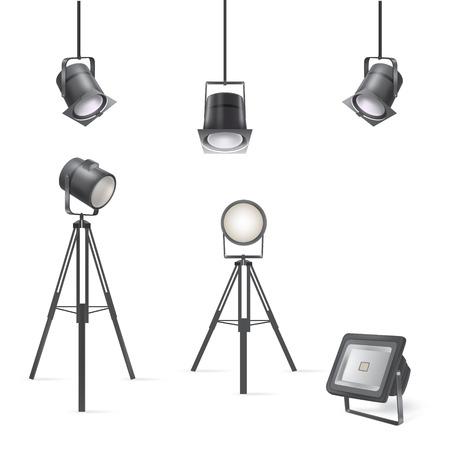 Zestaw wektorowych scenicznych reflektorów na białym tle