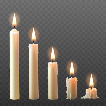 Vector set van realistische witte brandende kaarsen geïsoleerd op een transparante achtergrond.