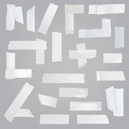Witte plakband verschillende stukken met rimpels, gebogen en gescheurde randen geïsoleerde realistische illustraties set. Verschillende maten, onder hoeken gelijmd, afgesneden stroken plakbandelementcollectie Stockfoto