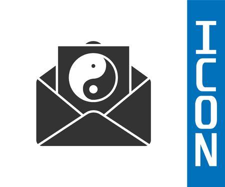Icône grise Yin Yang et enveloppe isolé sur fond blanc. Symbole d'harmonie et d'équilibre. Illustration vectorielle