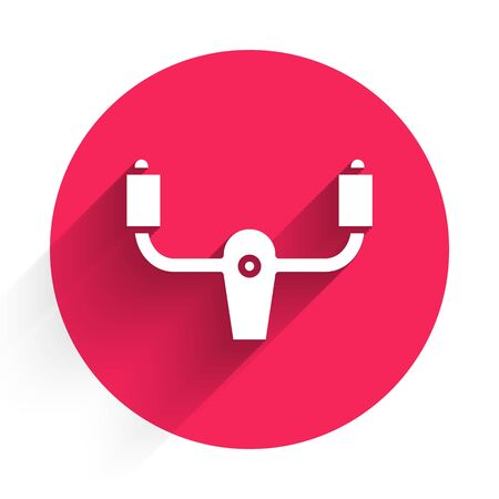 White Aircraft steering helm icon isolated with long shadow. Aircraft control wheel. Red circle button. Vector Illustration Vecteurs
